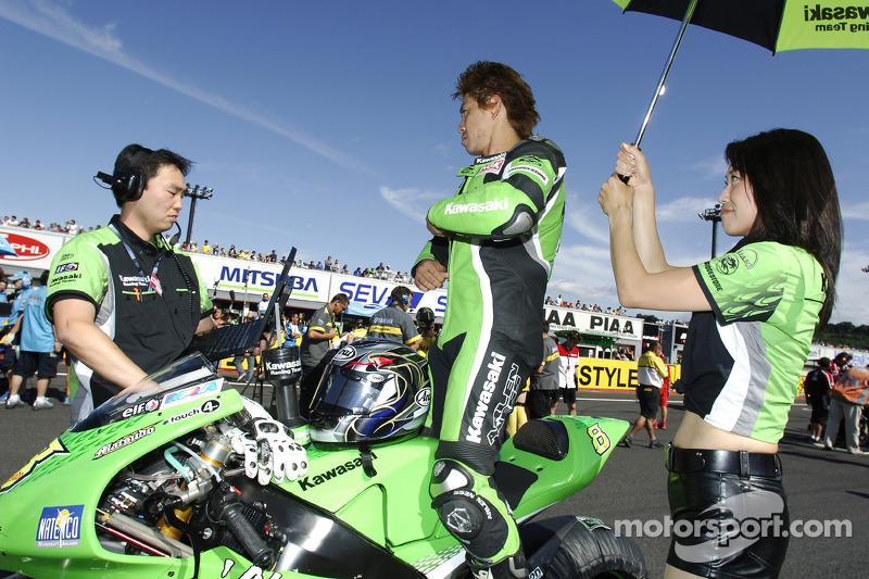 Naoki Matsudo on the starting grid