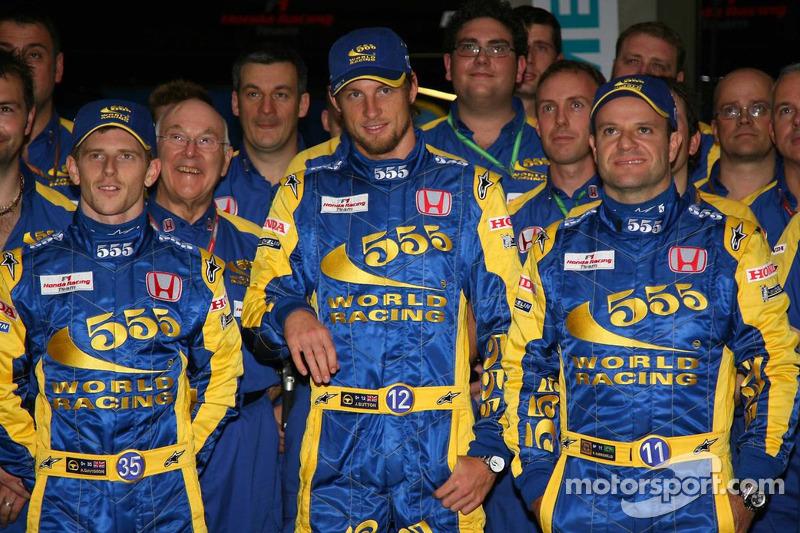 Sesión de fotos para la nueva imagen de China del equipo Honda Racing F1: Anthony Davidson, Rubens B