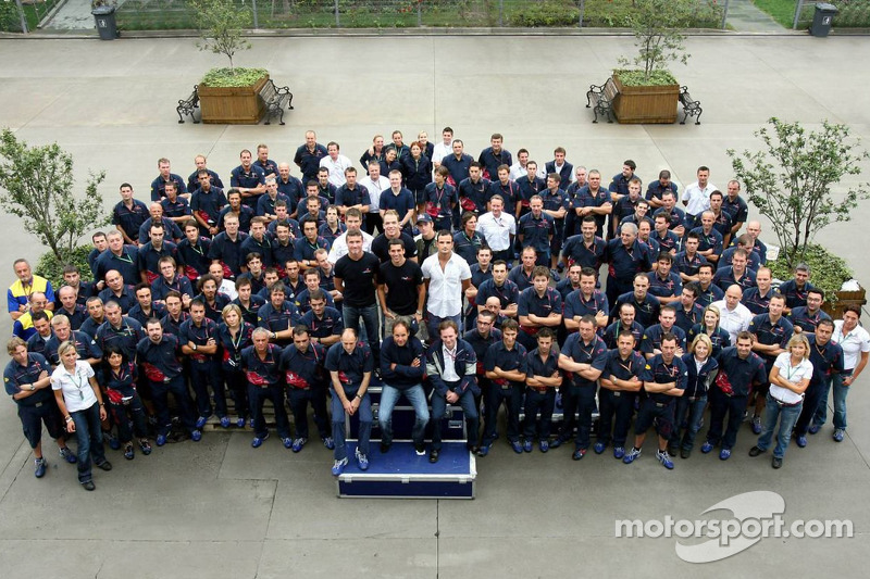 Scuderia Toro Rosso and Red Bull Racing team photo