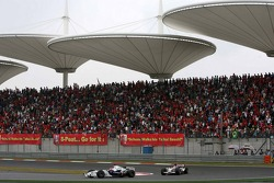 Robert Kubica leads Rubens Barrichello
