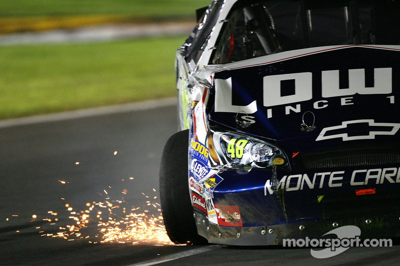 Jimmie Johnson en problemas