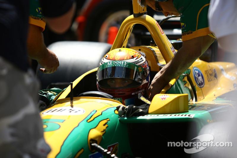 Will Power se prépare pour un essai de comparaison de vitesses