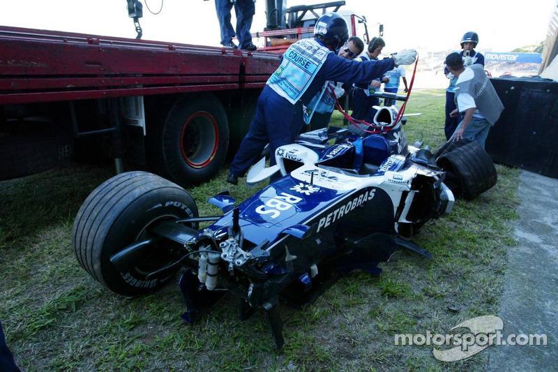 La voiture abimée de Nico Rosberg