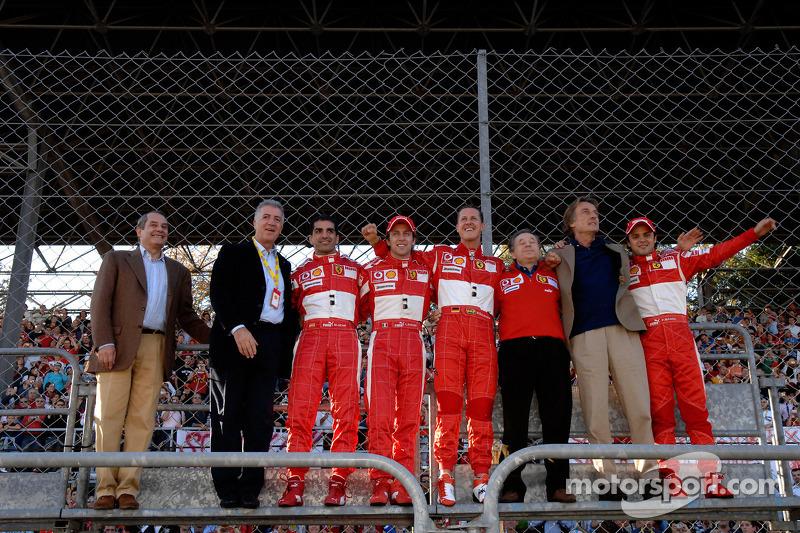 Piero Ferrari, Marc Gene, Luca Badoer, Michael Schumacher, Jean Todt, Luca di Montezemolo ve Felipe Massa