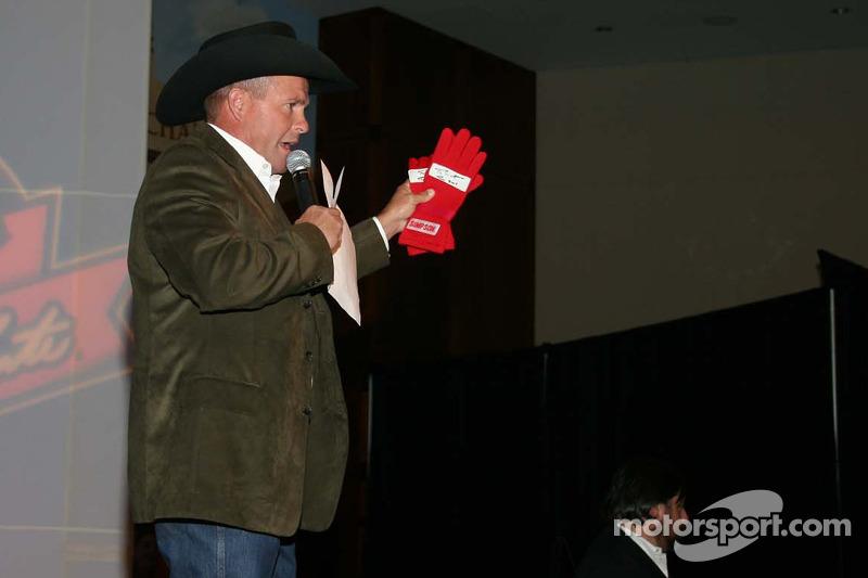 Enchère des gants de course de Terry Labonte