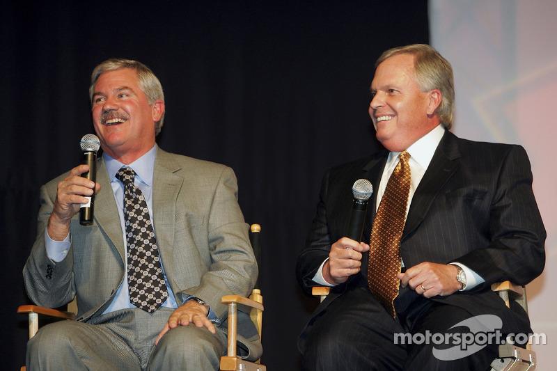 Terry Labonte rit avec Rick Hendrick