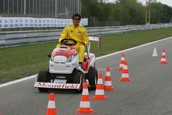 Journée des RP, Mountfield Cup on Tractors : Alex Yoong