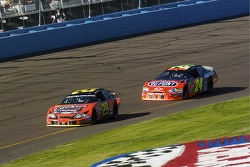 Kevin Harvick leads Jeff Gordon
