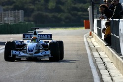 Marco Holzer tests the BMW Sauber F1.06 as his prize for winning the 2005 Formula BMW Final