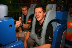 Cosmos World Theme Park, Kuala Lumpur: Nico Hulkenberg and Johnny Reid on the rollercoaster