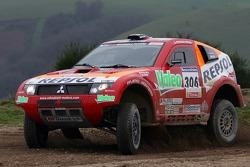 Team Repsol Mitsubishi Ralliart shakedown: Hiroshi Masuoka and Pascal Maimon test the Mitsubishi Pajero / Montero Evolution MPR13