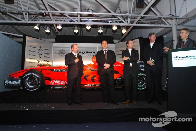 Mike Gascoyne, Spyker F1 Team, Chief Technology Officer, Colin Kolles, Spyker F1 Team, Team Principa