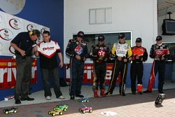 Raybestos Rookie RC Challenge 2007: rookie of the year contenders David Reutimann, Juan Pablo Montoya, Paul Menard, Brandon Whitt and David Ragan drive their RC cars