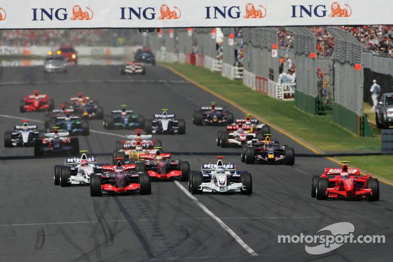 Largada: 1° Kimi Raikkonen, Scuderia Ferrari, F2007, 2° Nick Heidfeld, BMW Sauber F1 Team, F1.07, 3° Lewis Hamilton, McLaren Mercedes, MP4-22