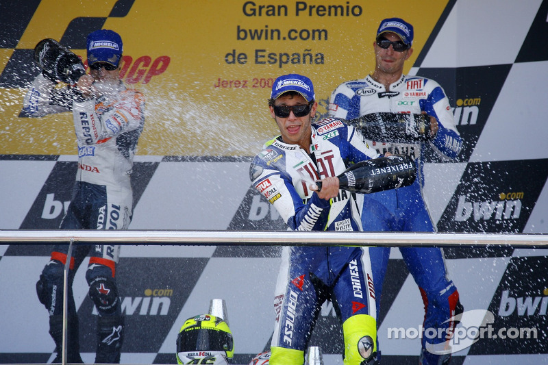 2007 Podio: ganador de la carrera Dani Pedrosa con Valentino Rossi y Colin Edwards