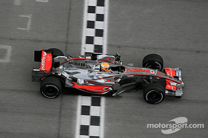 2007 : McLaren MP4-22, à moteur Mercedes