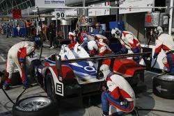 Pitstop for #15 Charouz Racing System Lola B07/17 - Judd: Jan Charouz, Stefan Mücke