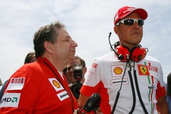Michael Schumacher, Scuderia Ferrari, Advisor, on the grid with Jean Todt, Scuderia Ferrari, Ferrari