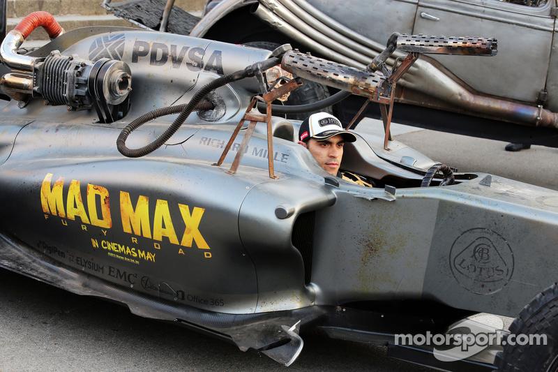 Pastor Maldonado, Lotus F1 Team, macht Werbung für den Film
