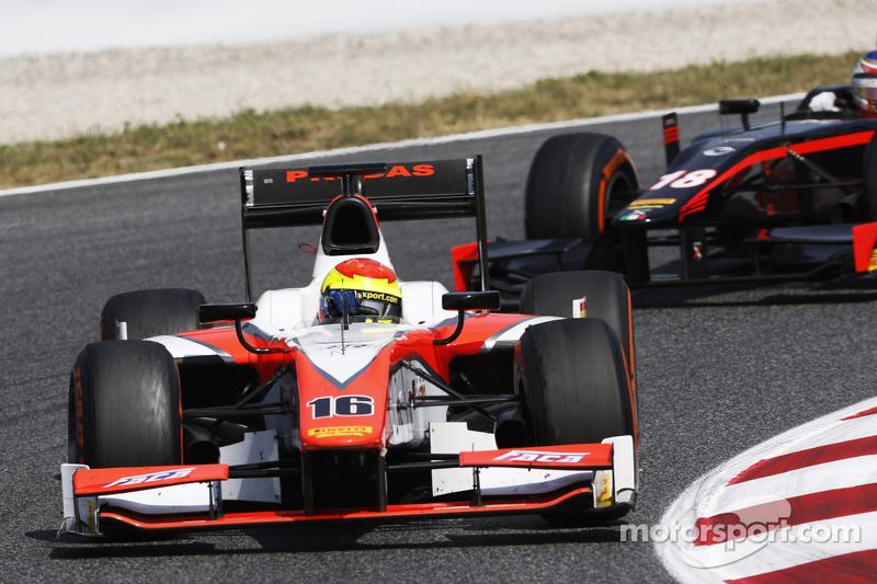 Sergio Canamasas, MP Motorsport, und Sergey Sirotkin, Rapax