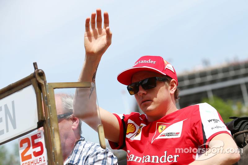 Kimi Räikkönen, Ferrari, bei der Fahrerparade