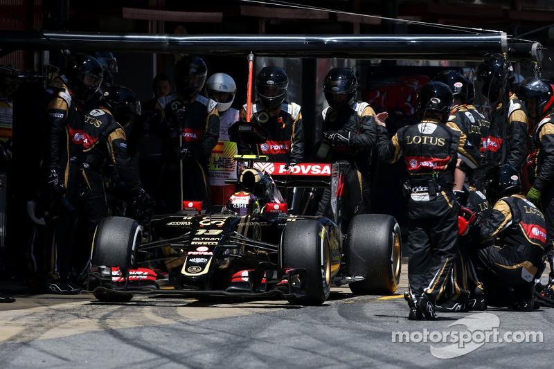 Пастор Мальдонадо, Lotus F1 Team під час піт-стопа