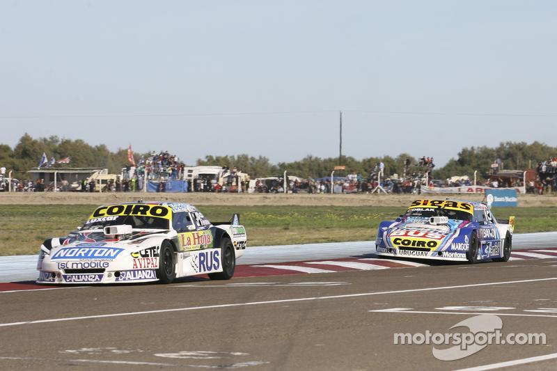 Мартін Серрано, Coiro Dole Racing Dodge та Маурісіо Ламбіріс, Coiro Dole Racing Torino