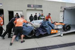 The car of Simona de Silvestro, Andretti Autosport Honda is brought back to the shop