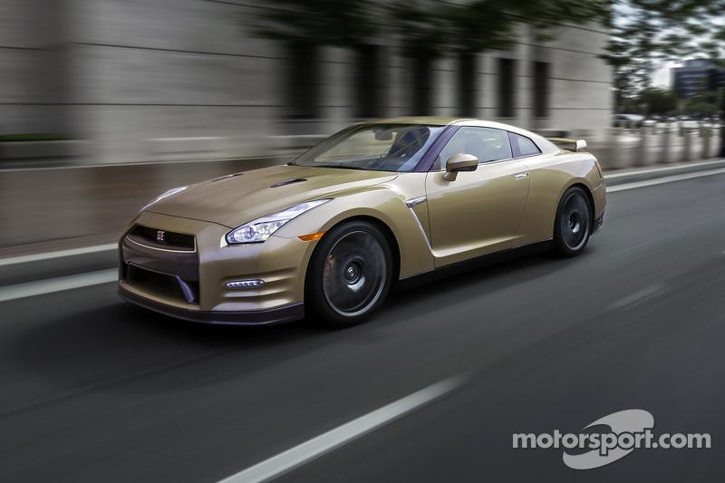 Der Nissan GT-R 2016, Goldedition zum 45-jährigen Jubiläum