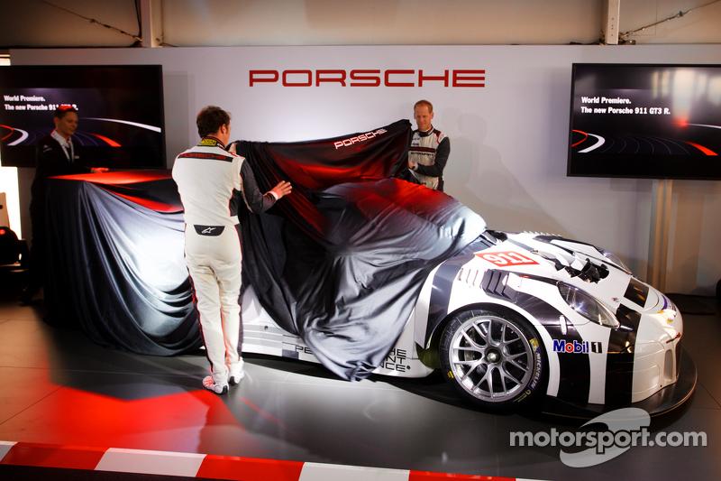 Präsentation Porsche 911 GT3 R: Jörg Bergmeister und Patrick Pilet präsentieren den neuen Porsche 911 GT3 R