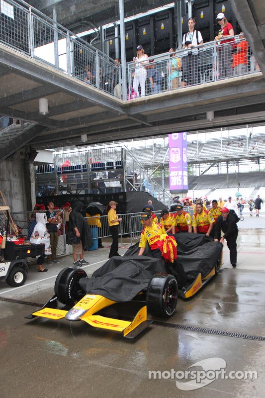 Hujan di Indianapolis Motor Speedway