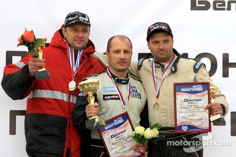 Призеры категории Super1600: Угис Траубергс, Дмитрий Малахов и Артём Клоков