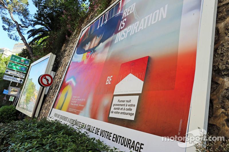 Marlboro-Werbung mit einem Bild von Sebastian Vettel, Ferrari