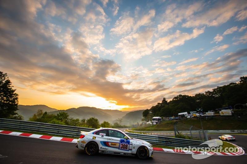 #308 Walkenhorst Motorsport, BMW M235i Racing: Thomas D. Hetzer, Matias Henkola, Henning Cramer