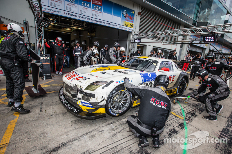 Pit stop for #23 Rowe Racing Mercedes-Benz SLS AMG GT3: Klaus Graf, Christian Hohenadel, Nico Bastia