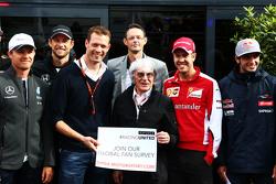 Bernie Ecclestone and Alex Wurz, Williams Driver Mentor and GPDA Chairman and Charles Bradley, Motor