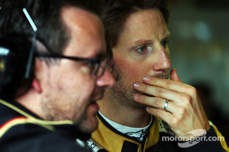Romain Grosjean, Lotus F1 Team, mit Julien Simon-Chautemps, Lotus F1 Team, Renningenieur