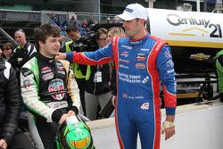 Jack Harvey, Schmidt Peterson Motorsports, und Ethan Ringel, Schmidt Peterson Motorsports, feiern den Startplatz in Reihe eins