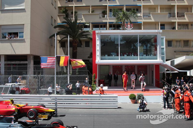 Podium: 2. Alexander Rossi, Racing Engineering; 1.toffel Vandoorne, ART Grand Prix, und 3. Sergio Ca