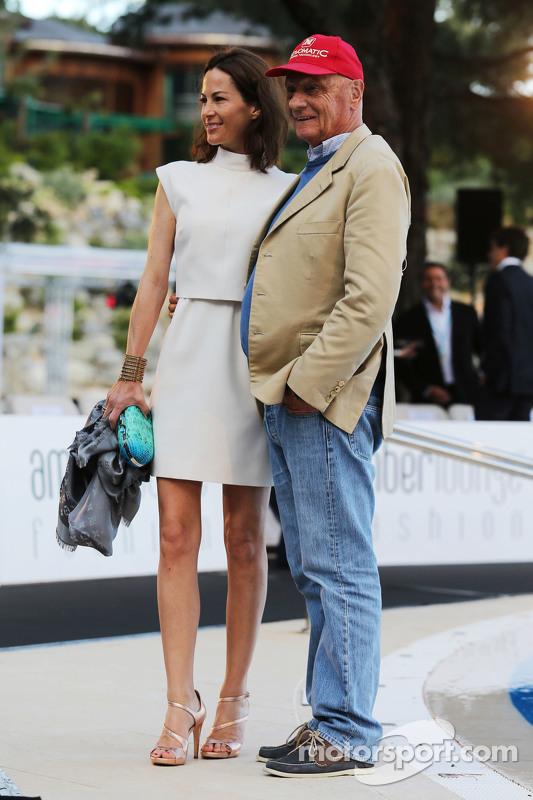 Niki Lauda, Mercedes Non-Executive Chairman bersama istrinya, Birgit Lauda di Amber Lounge Fashion Show