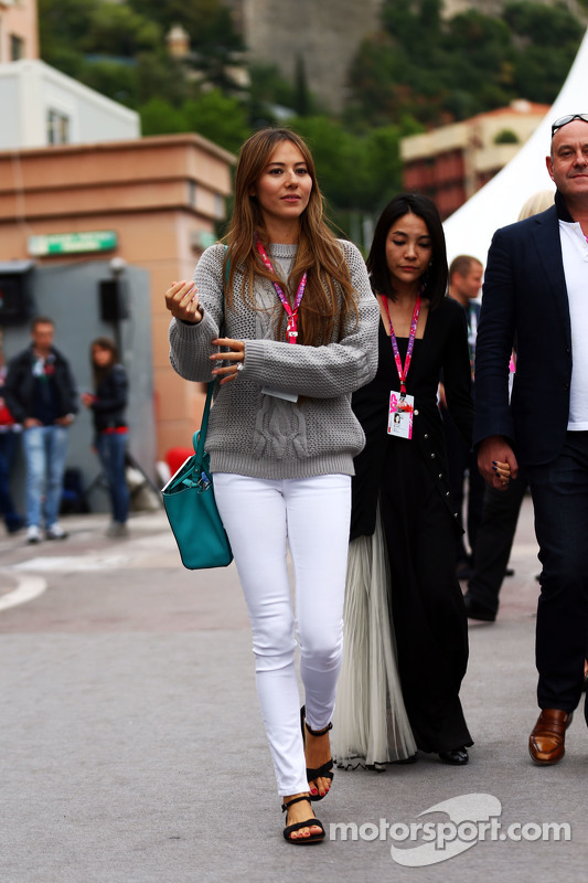 Jessica Button, Frau von Jenson Button, McLaren