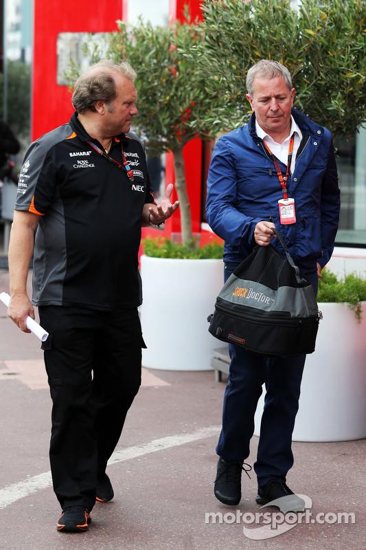 (Von links nach rechts): Robert Fernley, stellvertretender Teamchef Sahara Force India F1 Team, mit Sky-Sports-Kommentator Martin Brundle