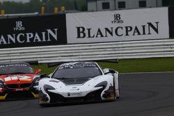 #59 Von Ryan Racing, McLaren 650S GT3: Nicolas Lapierre, Alvaro Parente, Adrian Quaife-Hobbs