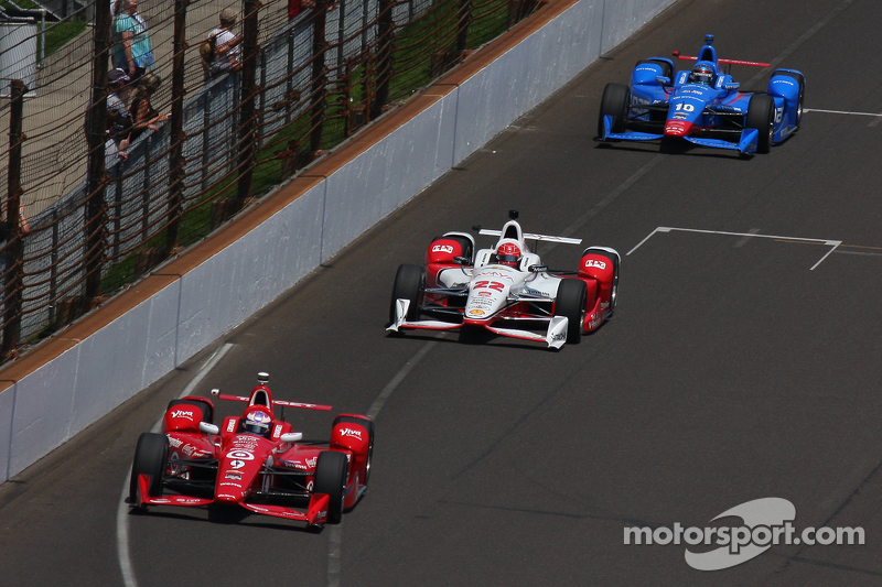 Scott Dixon, Chip Ganassi Racing, Chevrolet; Simon Pagenaud, Team Penske, Chevrolet, und Tony Kanaan, Chip Ganassi Racing, Chevrolet