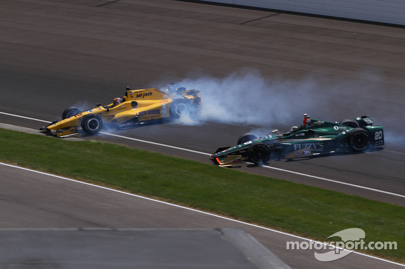 Oriol Servia en Ed Carpenter in de slip