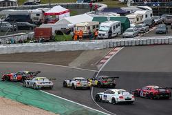 Старт: #20 Schubert Motorsport BMW Z4 GT3: Домінік Бауманн, Клаудіа Хюртген, Йенс Клінгманн, Мартін