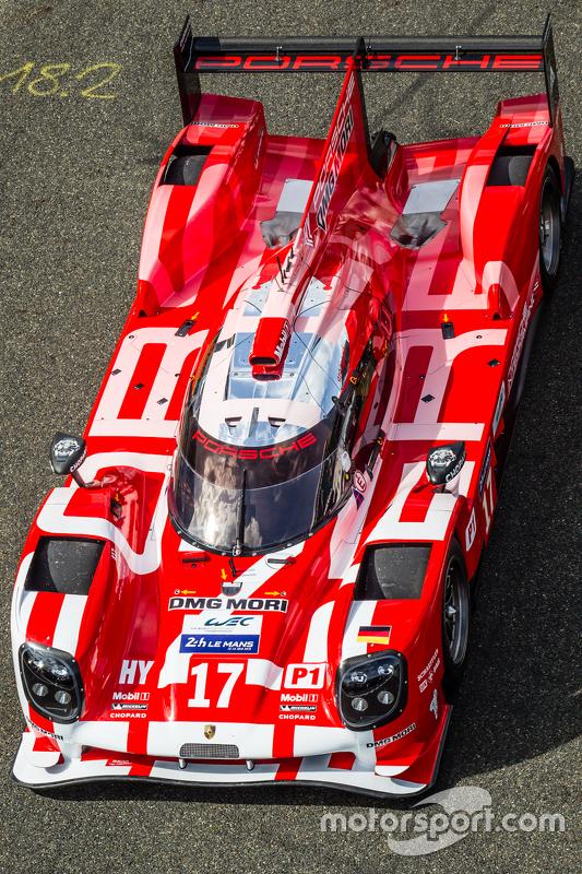 #17 Porsche Team Porsche 919 Hybrid