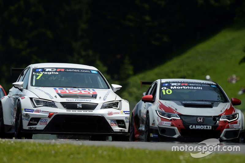 Lorenzo Veglia, SEAT Leon, Liqui Moly Team Engstler, dan Gianni Morbidelli, Honda Civic TCR, West Coast Racing