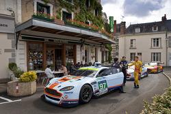 Aston Martin Racing en el Hotel de France