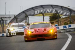 #81 AF Corse Ferrari 458 GTE: Piergiuseppe Perazzini, Marco Cioci